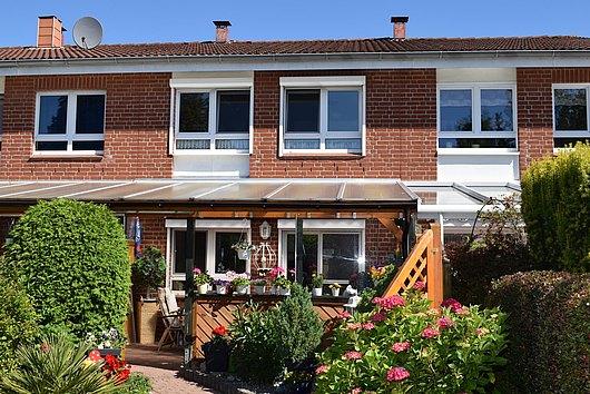 Modernisiert und renoviert! Reihenmittelhaus im Top-Zustand in 24149 Kiel-Dietrichsdorf