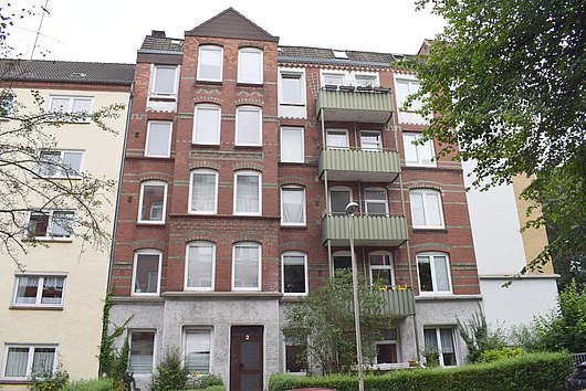 Klasse 3-Zimmer-Altbau-Wohnung im Jugenstilhaus am Südfriedhof
