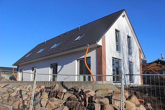 Neubau-Doppelhaushälfte in Schwartbuck