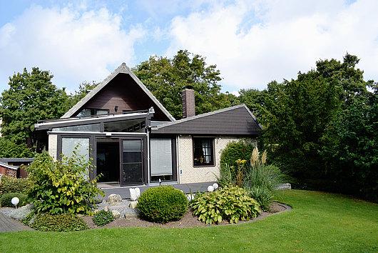 Repräsentatives Einfamilienhaus auf einem schön angelegten Grundstück in Raisdorf