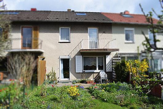 Reihenmittelhaus mit Garage in Altenholz-Stift