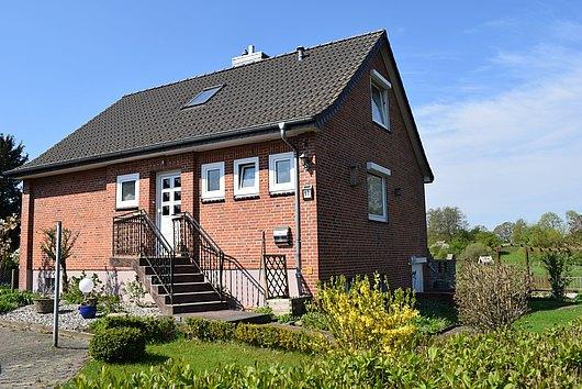 Modernisiertes Einfamilienhaus mit Feldblick in Kiel-Russee