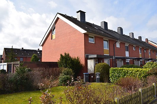 Vier-Zimmer-Reihenendhaus in Büdelsdorf mit zwei Vollgeschossen und Ausbaureserve