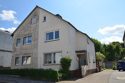Doppelhaushälfte mit viel Potential in gefragter Lage von Dietrichsdorf
