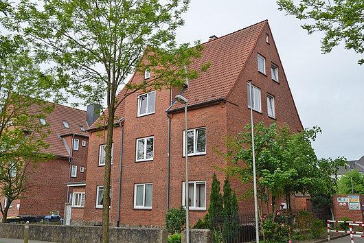 Charmantes Rotsteinhaus mit 4 vermieteten Wohnungen in Rendsburg-Neuwerk