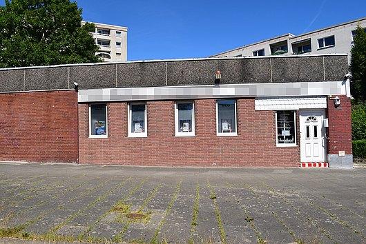 Vielfach nutzbare Gewerbeimmobilie mit Grundstück in Mettenhof