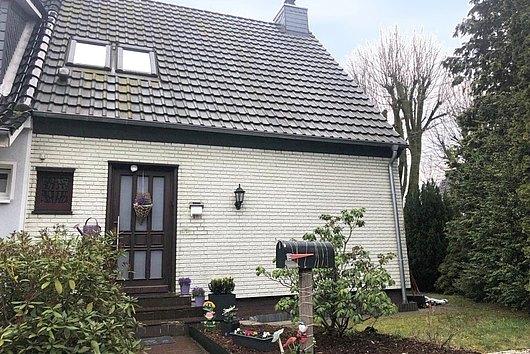 Finnen-Doppelhaushälfte mit Garage in Bordesholm