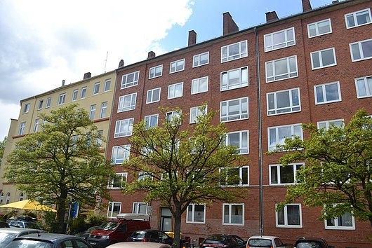 """Mit dem """"Blücher"""" per Du - top gepflegte 2-Zimmer-ETW mit Balkon und Lift in Kiel-Nord"""