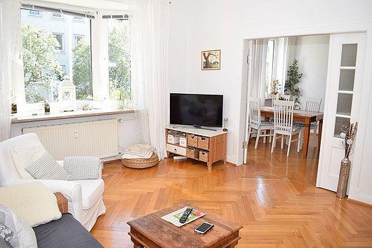 Charmante, stilgerecht modernisierte 3-Zimmer-Altbauwohnung Nh. Dichterviertel und Universität