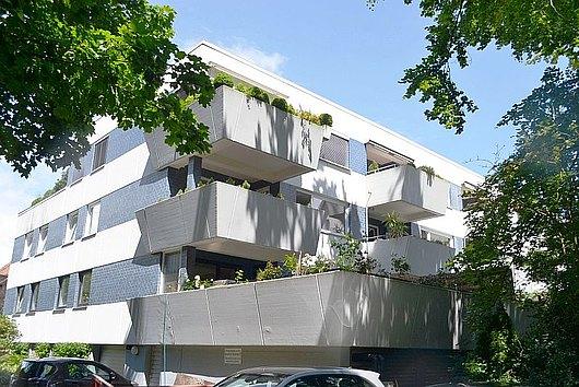 Komfortable 4-Zimmer-Wohnung mit Loggia und Tiefgarage in Kiel-Düsternbrook