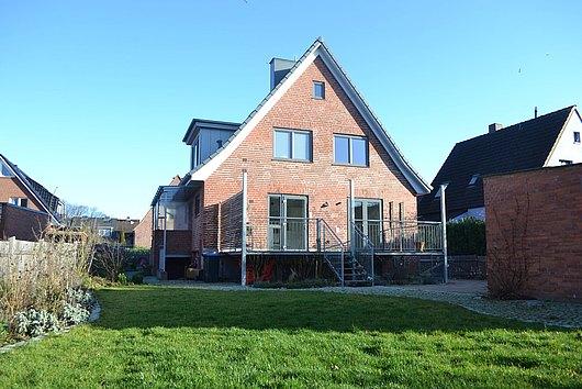 Modernisiert ist schon - geräumiges Einfamilienhaus in beliebter Lage von Kiel-Hassee