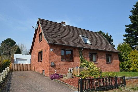 Lebe Deinen Traum - Modernisiertes EFH auf 1600 m² Grdst. in Oppendorf