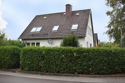 Modernisiertes Einfamilienhaus mit Einliegerwohnung in ruhiger Lage