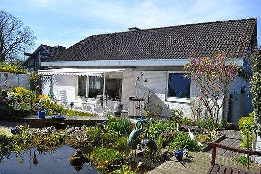 Traum in Weiß - top gepflegtes Einfamilienhaus aus 1. Hand in Alt-Schilksee