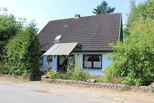 Einfamilienhaus mit Vollkeller in Stoltenberg